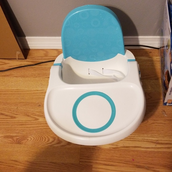 Fisher-Price Other - baby sitting highchair